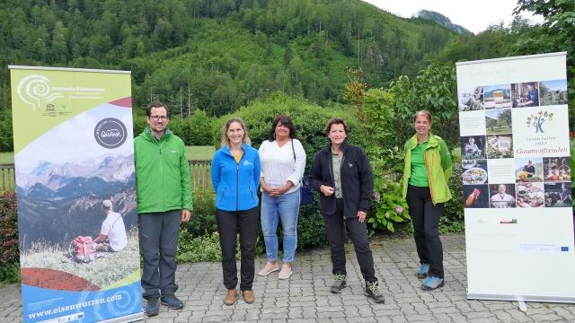 Das Natur- und Geoparkteam mit Landesrätin Mag.a Ursula Lackner