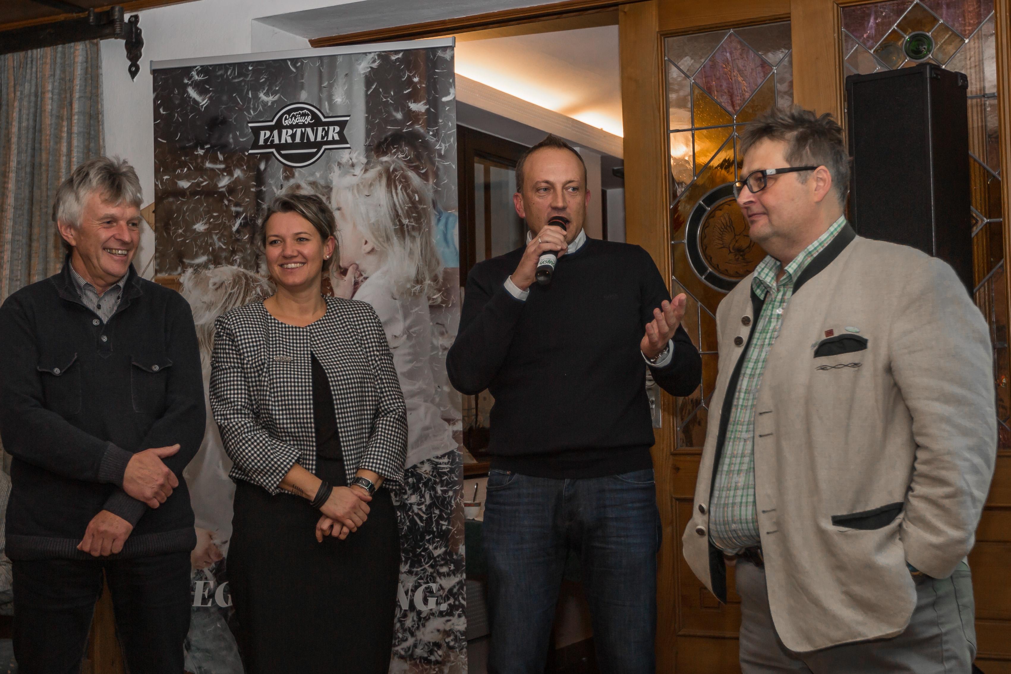 v.l.n.r. Hermann Watzl (Bürgermeister Admont), Eva Stiermayr (GF Regionalmanagement Bezirk Liezen), Armin Forstner (Bürgermeister St. Gallen) mit Christoph Pirafelner (Gesäuse Partner)